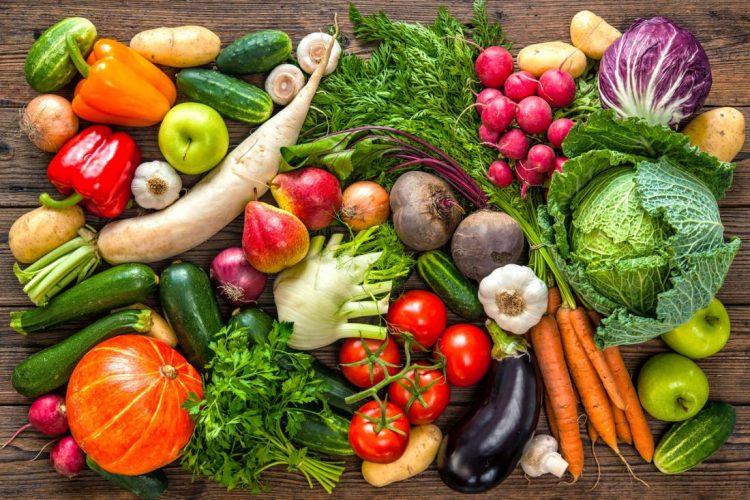 Больному необходимо соблюдать диету и правильно питаться