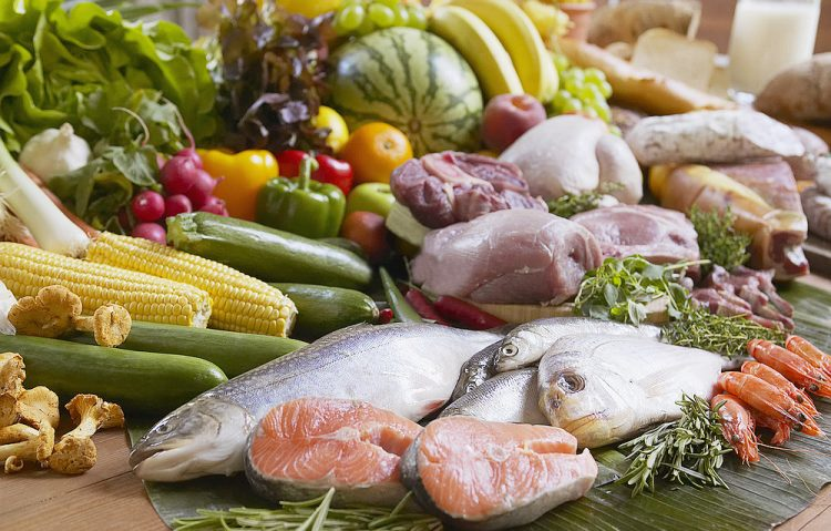 Больному артрозом необходимо придерживаться правильного питания