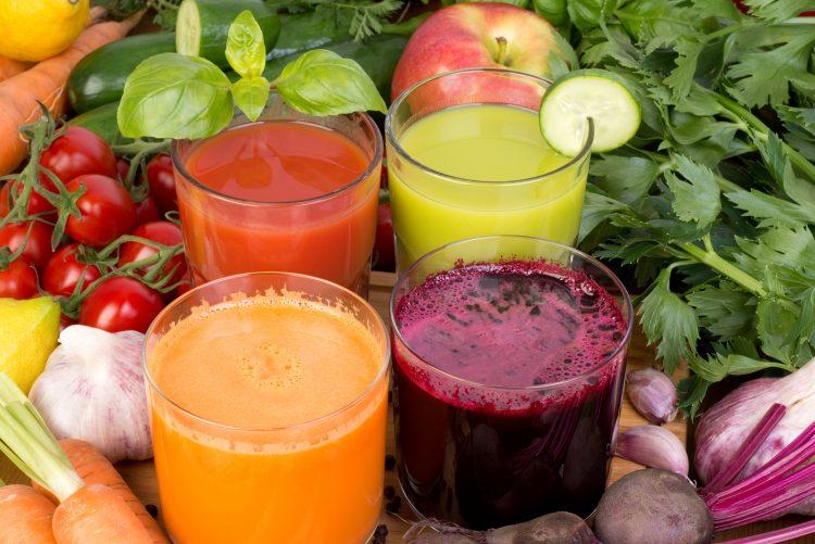 Свежие соки из овощей и фруктов принесут большую пользу организму