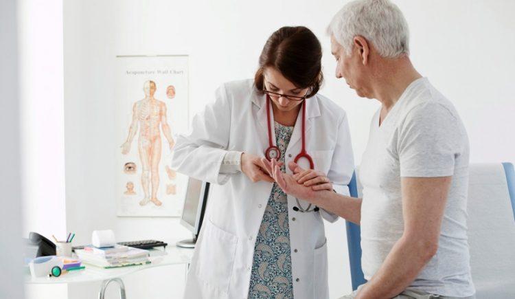 Обращение к врачу ревматологу