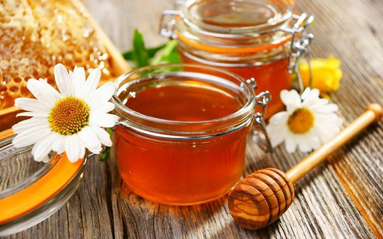 Мед обладает массой полезных свойств