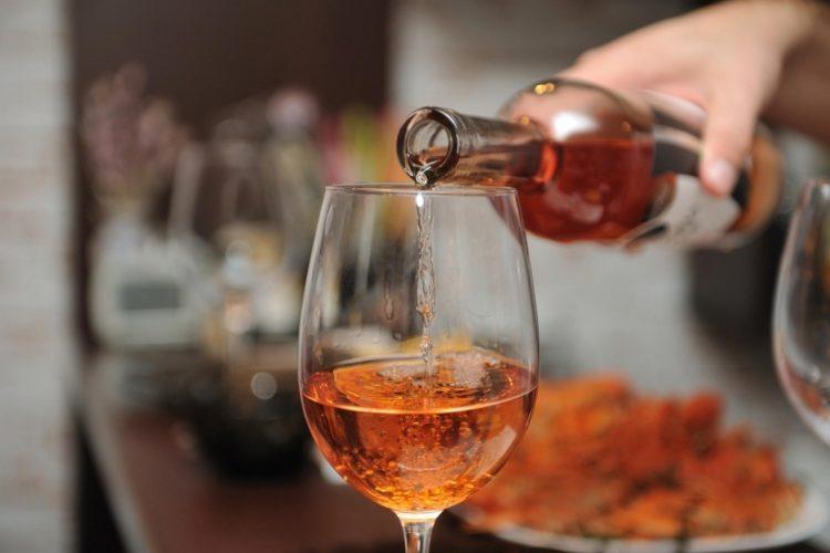 Употреблять алкоголь при шейном остеохондрозе категорически запрещено