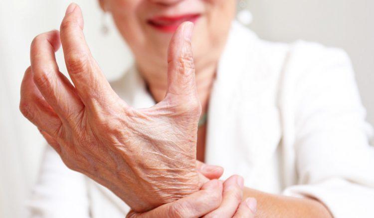 Использование мазей при артрите поможет снять болевые ощущения