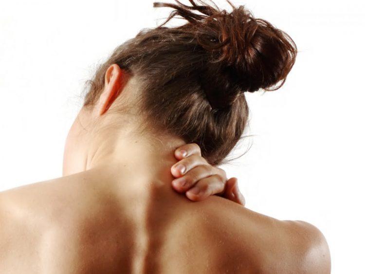 Массаж поможет снять спазм и уменьшить болевые ощущения