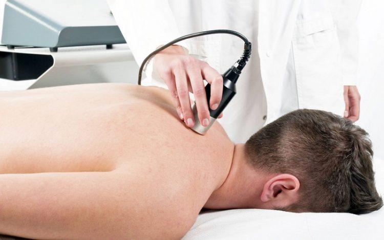 Проведение физиотерапевтических процедур при шейном спондилоартрозе