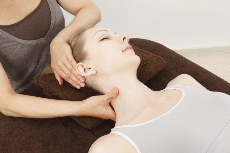 Массаж при шейном хондрозе - эффективный способ лечения