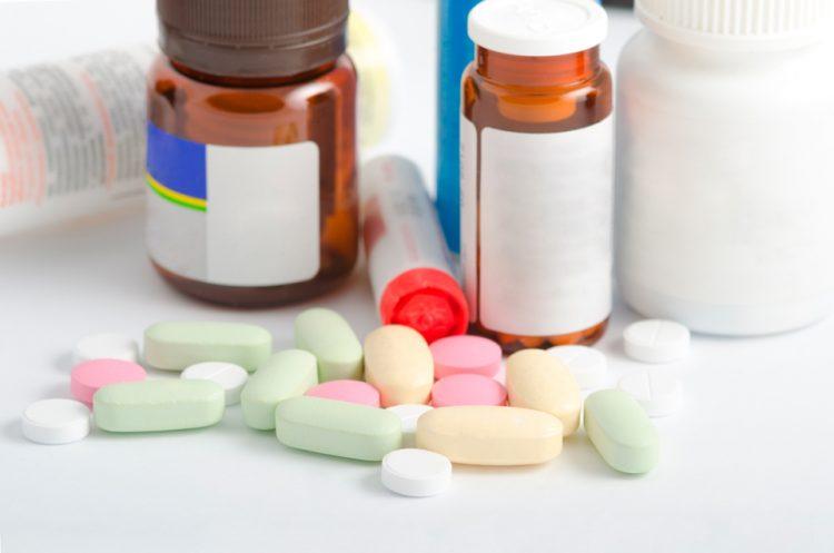 Лечить патологию можно медикаментозными средствами