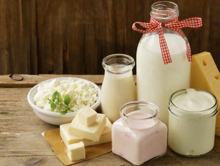 В рационе питания обязательно должны быть молочные продукты