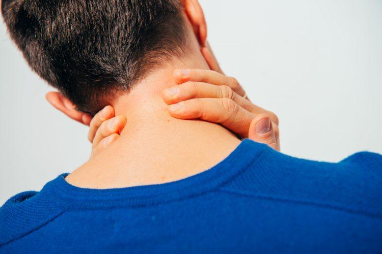 Шейный остеохондроз обладает ярко выраженными симптомами