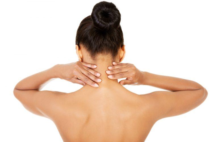 Болевой синдром в шее сигнализирует о том, что следует обратиться за помощью к врачу
