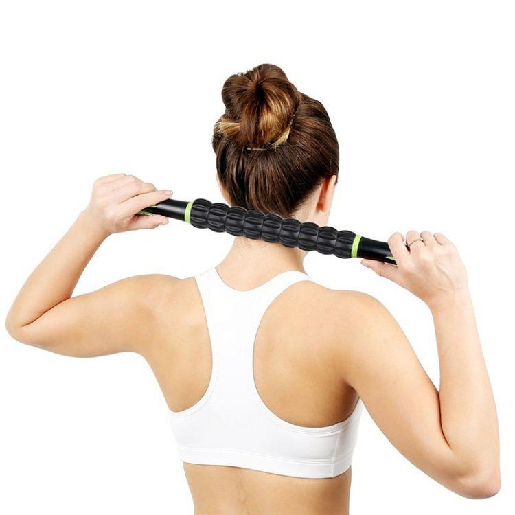 Применение скалки для самомассажа шеи