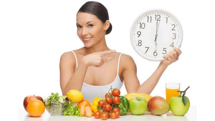 Специалисты рекомендуют принимать пищу в одно и то же время