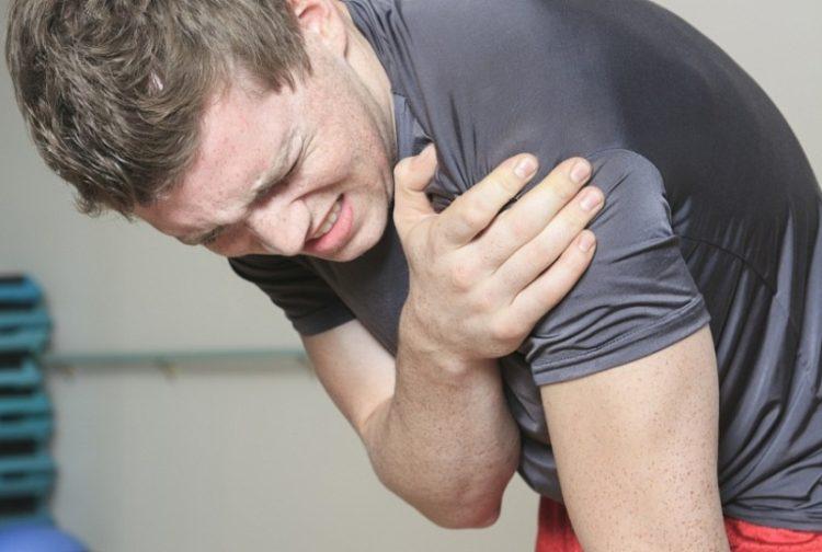Лечебную физкультура назначают при травмах и деформации плечевого сустава