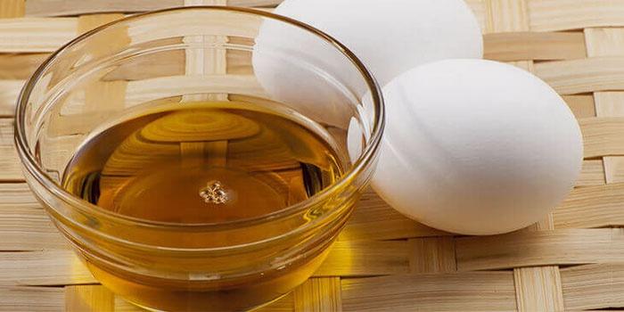 Мазь можно приготовить из яиц и сливочного масла