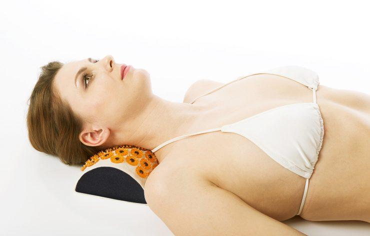 Аппликатор Кузнецова поможет снять болевые ощущения при остеохондрозе