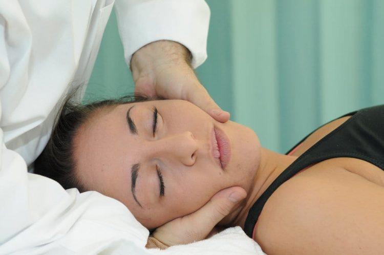 Массаж нельзя проводить при некоторых заболеваниях и в период беременности
