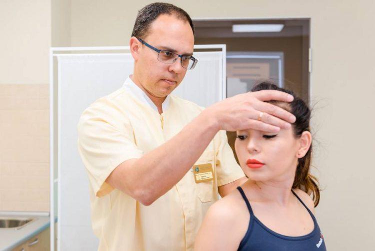 Сколько сеансов мануальной терапии нужно при шейном остеохондрозе фото