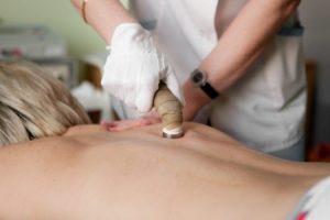 Физиотерапевтические процедуры оказывают благотворное влияние на позвоночник