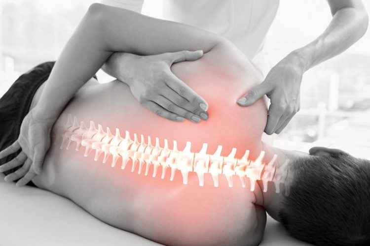 Сеанс мануальной терапии при остеохондрозе грудного отдела