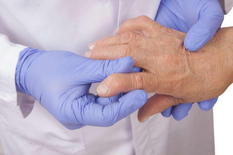 Прием народных средств следует согласовать с врачом