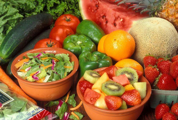 В рационе питания должно быть больше овощей и фруктов