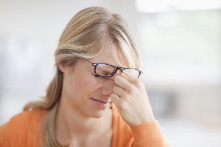 Проблемы со зрением могут появиться у людей, страдающих остеохондрозом