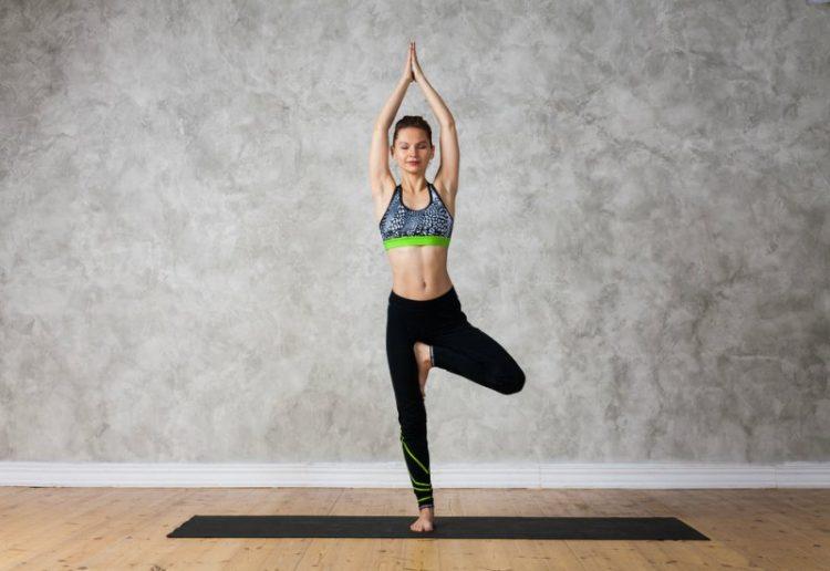 Поза йоги Врикшасана