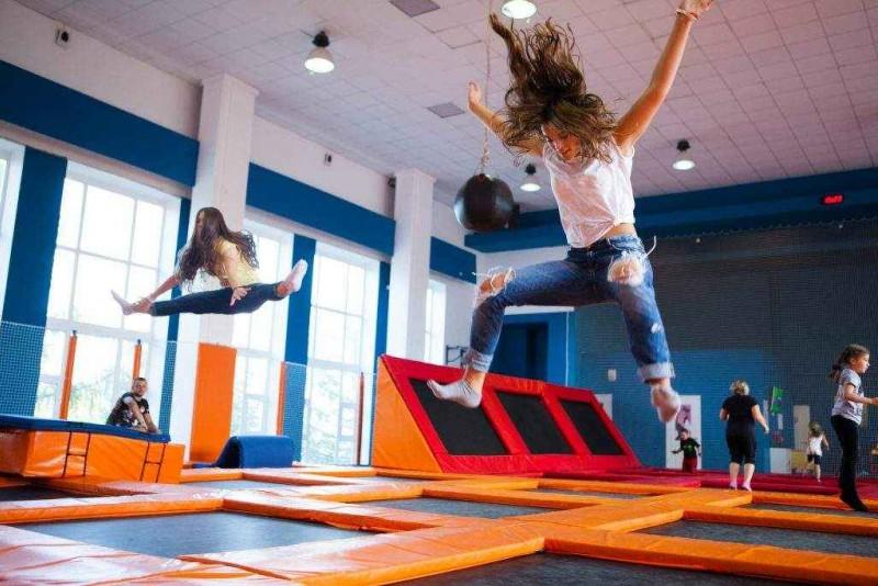 Прыжки и упражнения на батуте. польза и вред